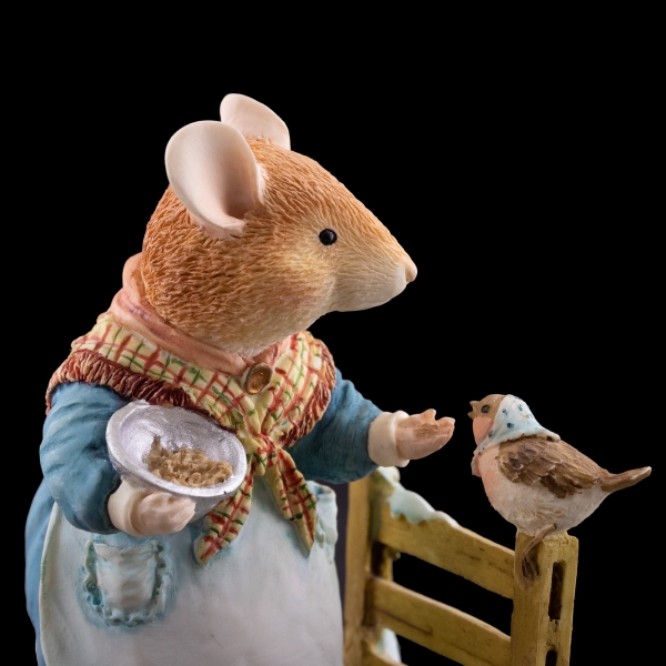 Villeroy & Boch Foxwood Tales Mrs. Mouse - Seeds of Kindness